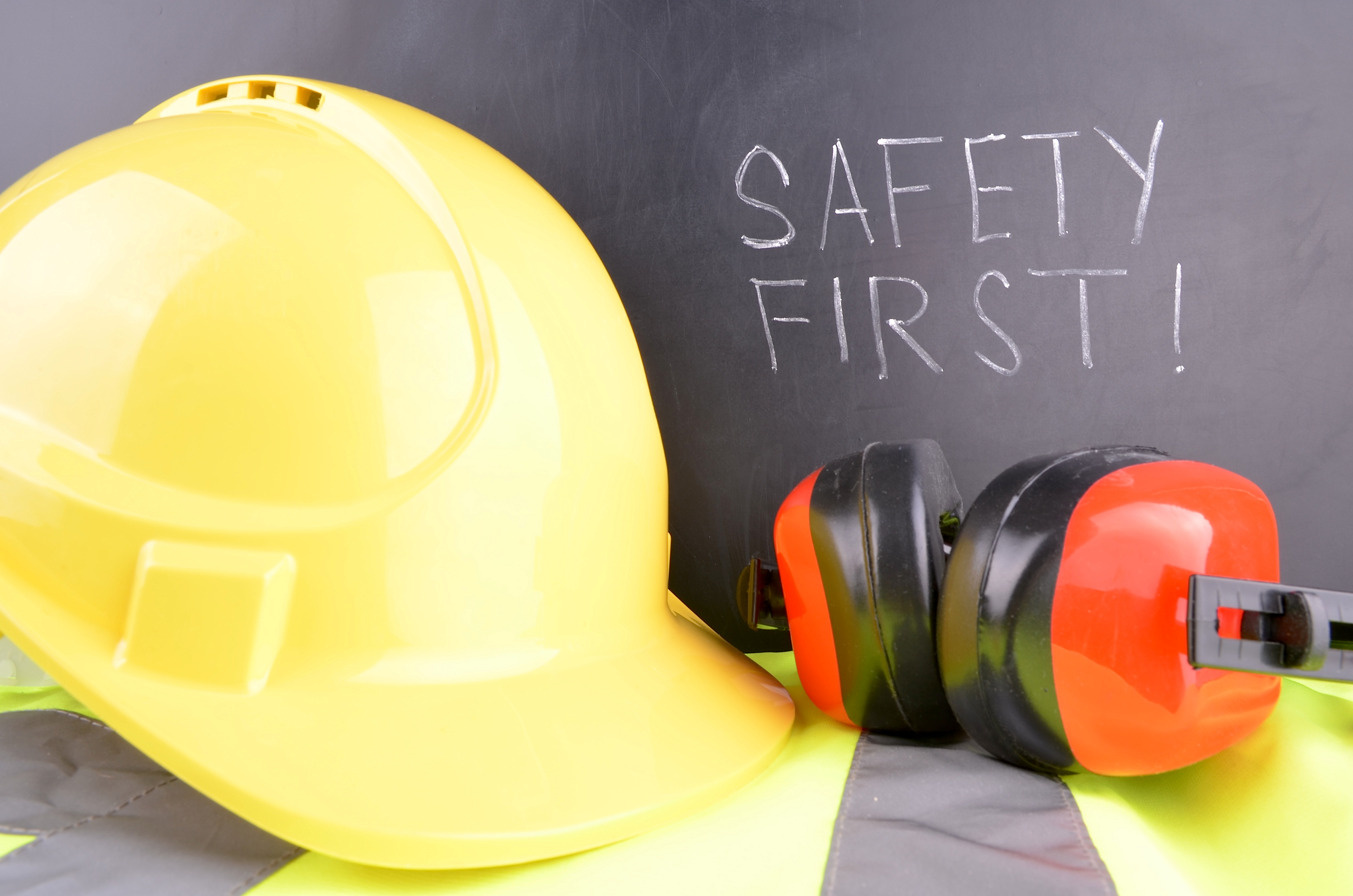 role of employees in accident prevention at work site The safety officer's main responsibility is to diminish or eliminate work-related accidents however, if an accident occurs, the safety officer will conduct a safety investigation to determine root causes, what procedures may have gone wrong, and to gather the evidence necessary to identify the cause of the accident.
